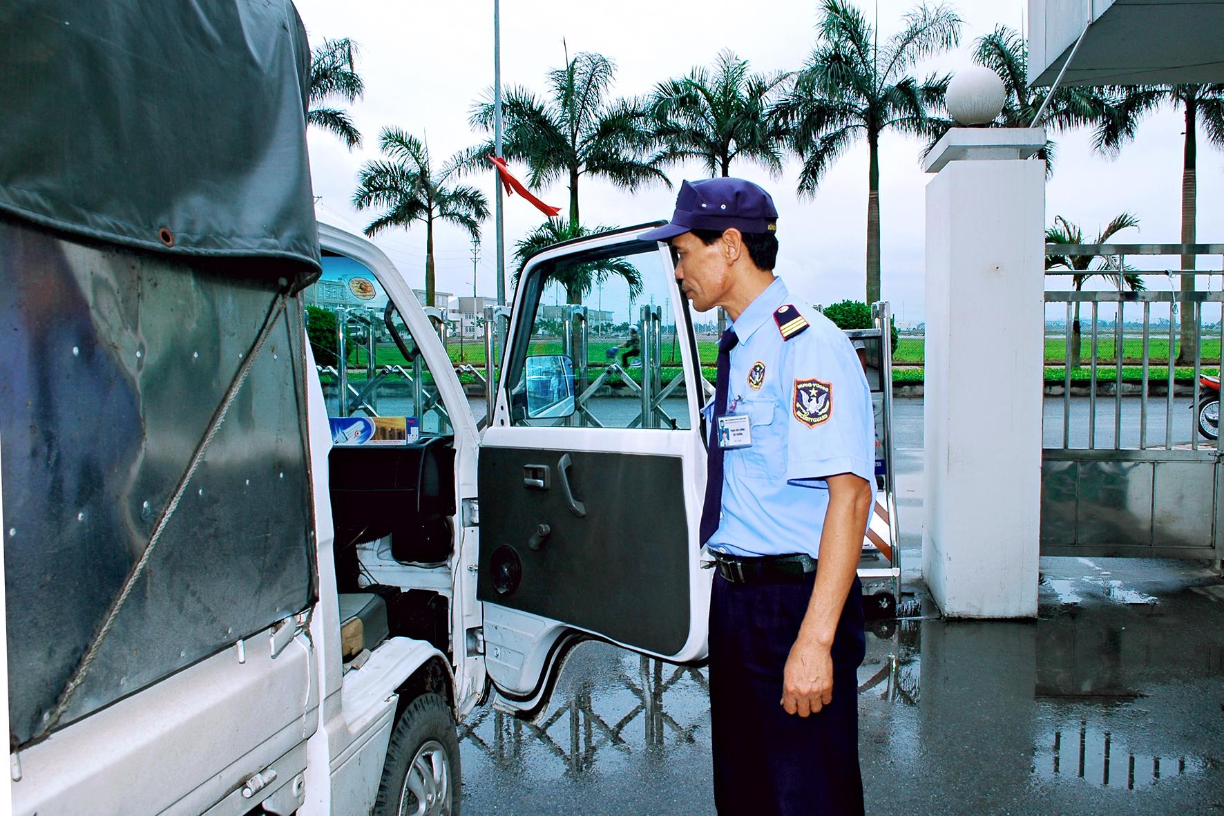 bảo vệ áp tải hàng hóa, dịch vụ bảo vệ áp tải hàng hóa